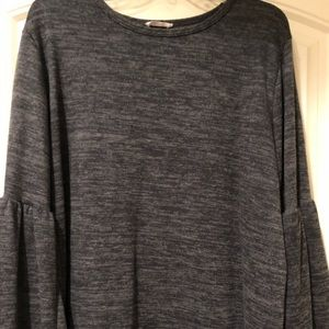 Tops - Woman's long sleeve top